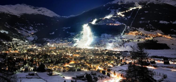 Inverno 2017/2018 - Sci notturno in Valtellina: le piste di Livigno, Bormio, S. Caterina e Madesimo vi aspettano per provare l'ebrezza di sciare sotto le stelle