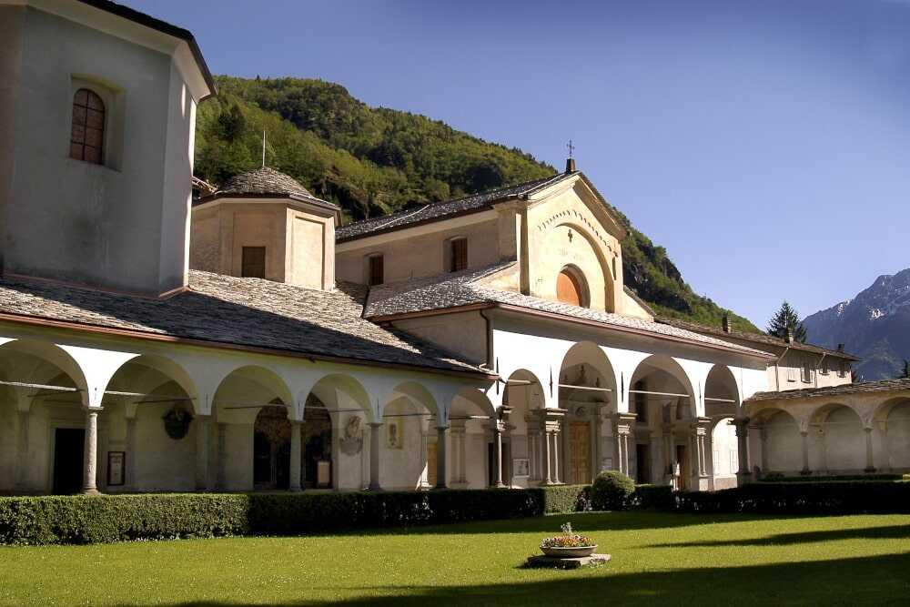 Die Stiftskirche von S. Lorenzo beherbergt das Museum des Schatzes