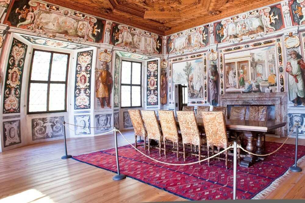 Ein Innenraum des Palazzo Vertemate