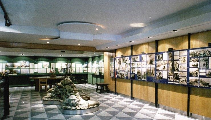 Suddiviso in tre sezioni, il Museo Storico Carlo Donegani racconta il mitico Passo dello Stelvio in tutti i suoi aspetti