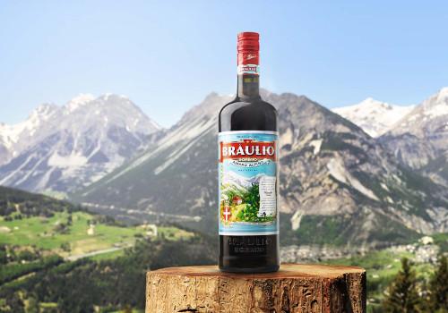 Tra le esperienze da provare a Bormio, in Alta Valtellina, non può mancare la visita guidata gratuita alle cantine del Braulio, l'amaro tipico del posto