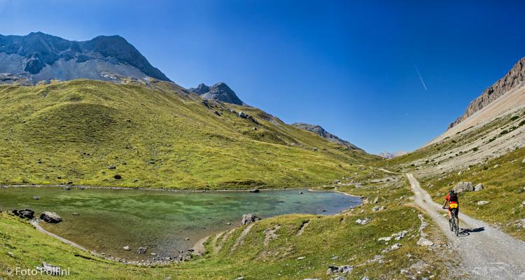 Il lago al Passo di Val Alpisella