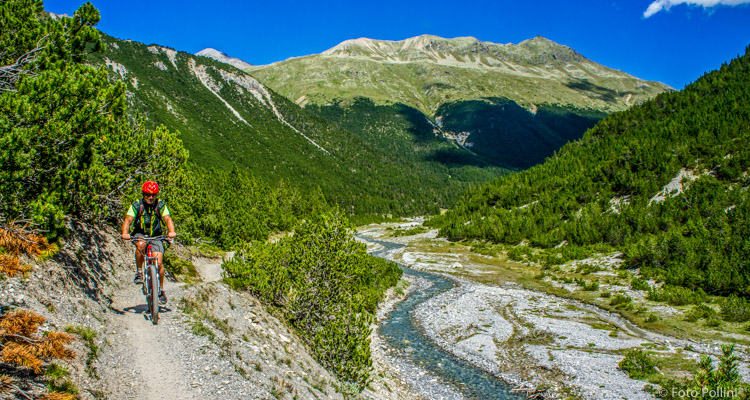 Verso il Passo di Val Mora