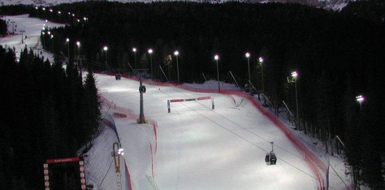 Sci notturno a S. Caterina: la famosa pista Deborah Compagnoni ospita lo sci notturno dal primo febbraio all'8 marzo 2018. Scopri le date