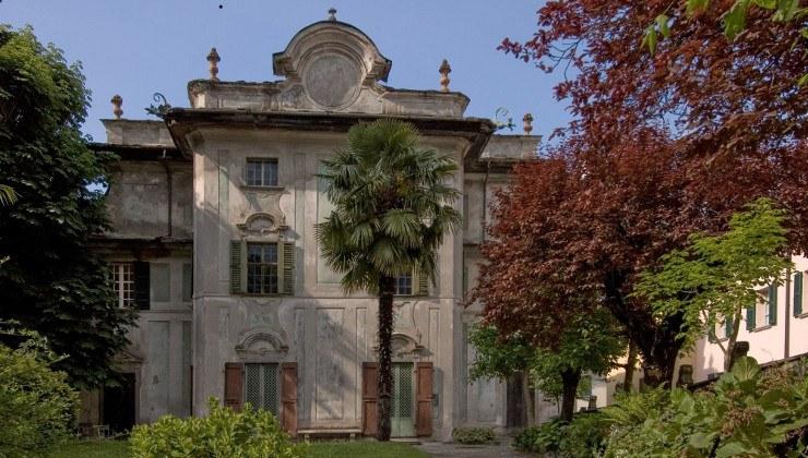L'elegante settecentesco Palazzo Salis, situato proprio di fronte al castello di Chiavenna