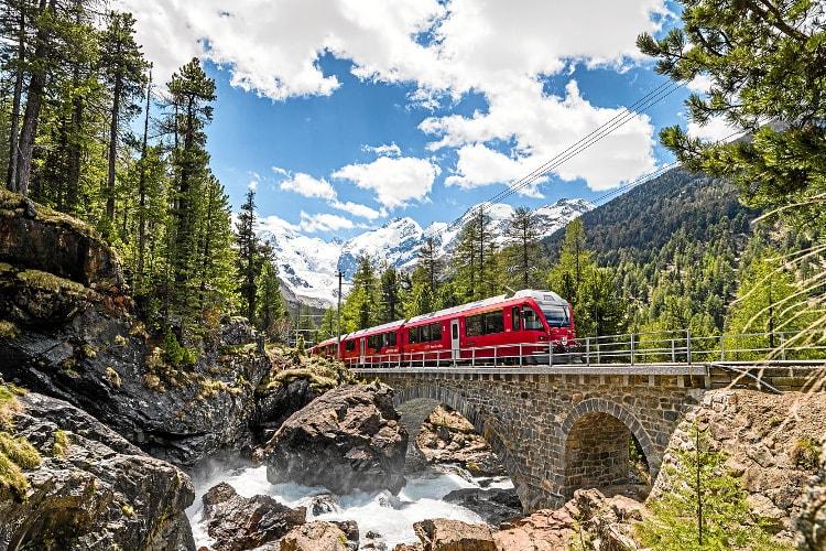 Il Trenino Rosso del Bernina, patrimonio UNESCO