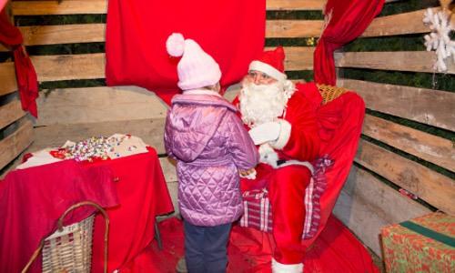 I presepi, molti dei quali a grandezza naturale, animano il Natale in Valtellina e contribuiscono a creare un'atmosfera ancor più suggestiva