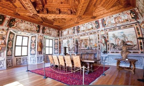 Una delle sale più suggestive all'interno di palazzo Vertemate Franchi, in Valchiavenna (SO)