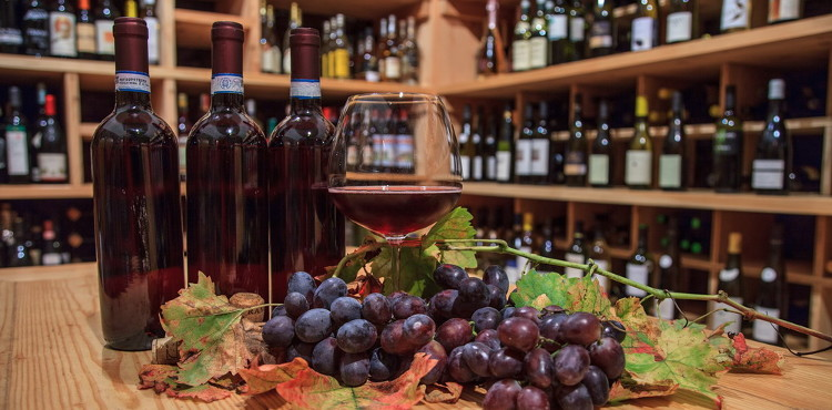 Venerdì 10 agosto 2018 torna a Sondrio Calici di Stelle, percorso di degustazione dei migliori vini DOC, DOCG, IGT e Sforzati della Valtellina