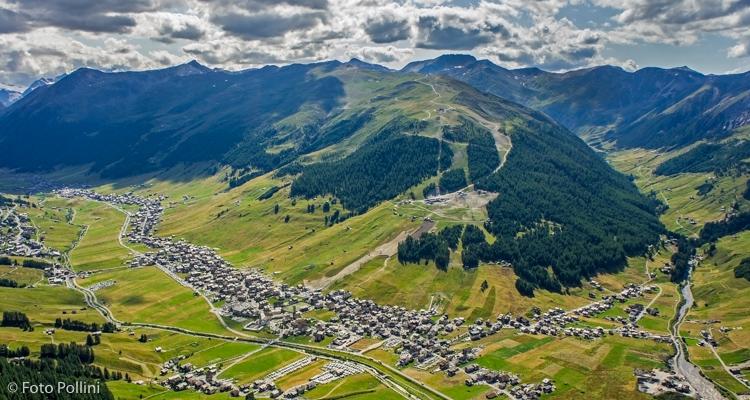 Panorama su Livigno, il Dosso Blesaccia e l'imbocco della Val Federia dal Crap de la Parè